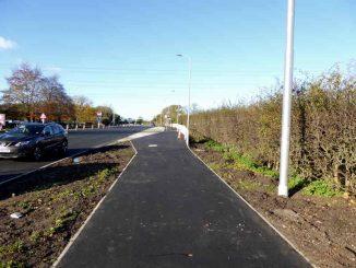 Footpath Towards Neston